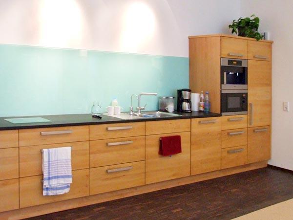 kuchenfront buche. Black Bedroom Furniture Sets. Home Design Ideas